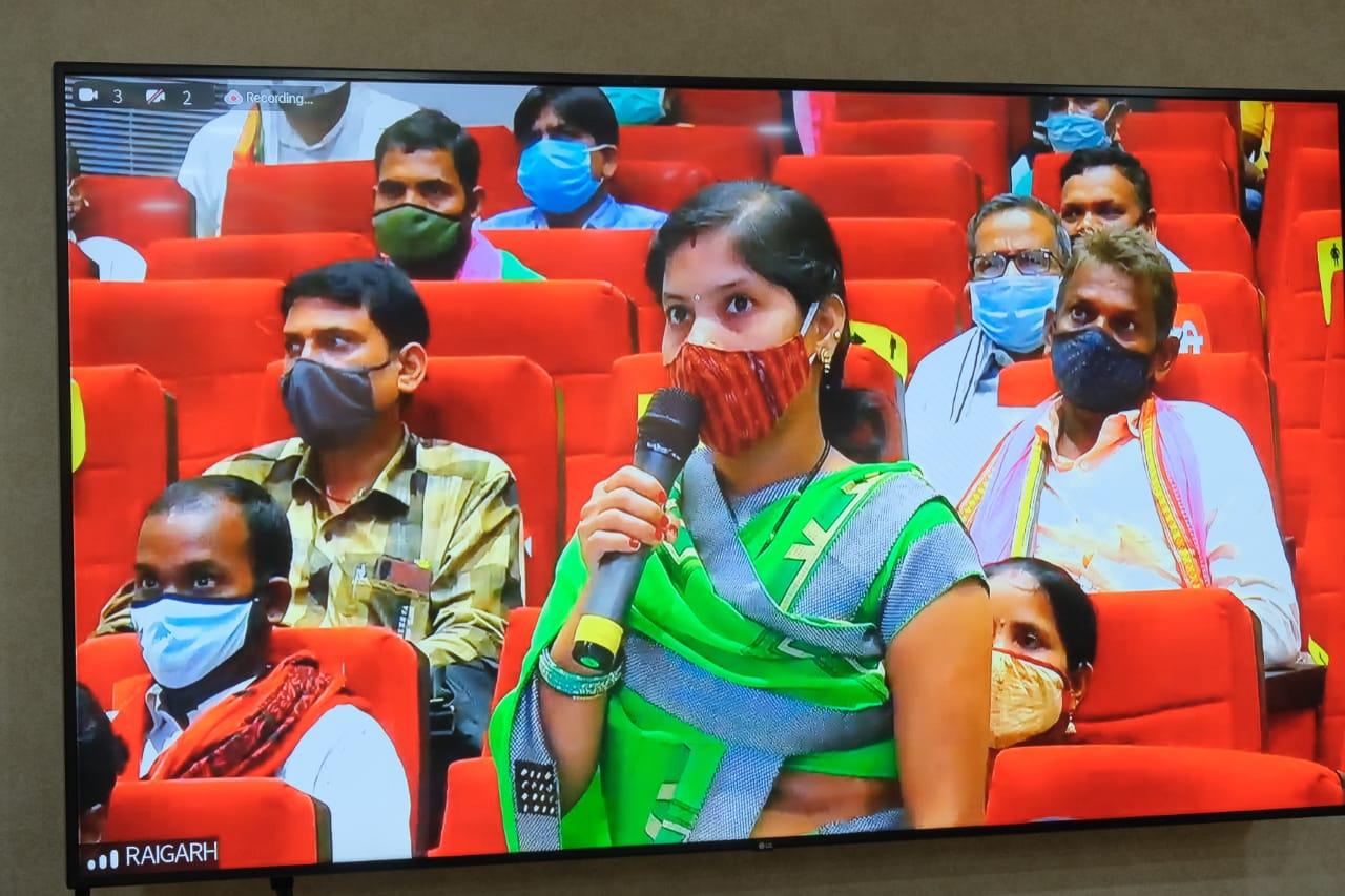 वर्मी कम्पोस्ट और केंचुआ बेचकर समूह की महिलाओं ने कमाया 6 लाख 51 हजार, आय के नए साधन जुटाने में किया खर्च