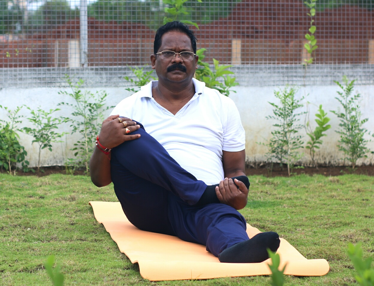 निरोगी काया के लिये करें नियमित योग : मंत्री श्री अमरजीत भगत