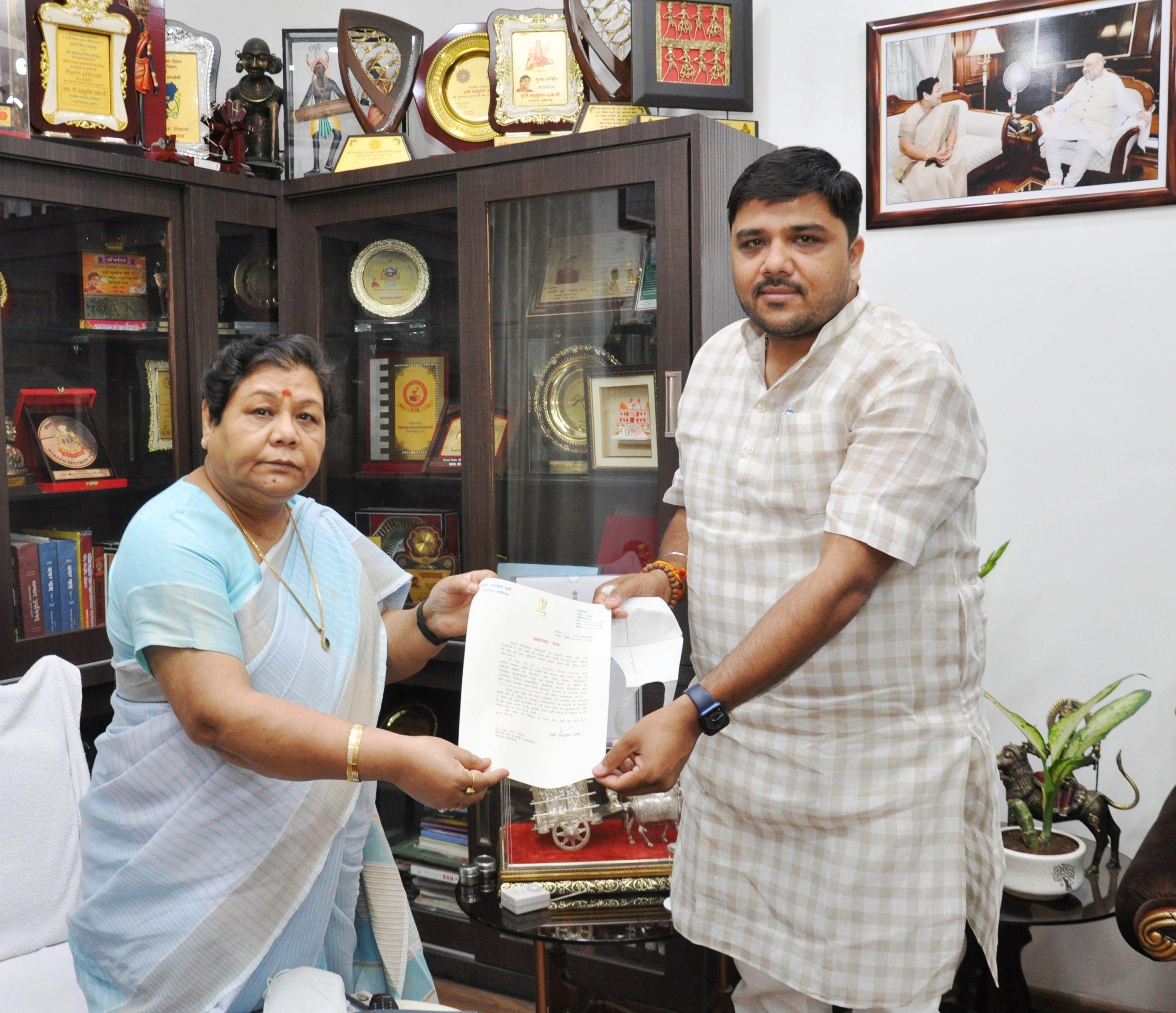 रायपुर : राज्यपाल ने पर्वत फाउण्डेशन के कार्यों की सराहना की