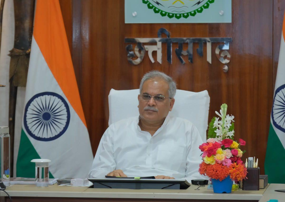 रायपुर :  किसानों के हित में मुख्यमंत्री का एक और बड़ा निर्णय :  अब सभी समितियों में समर्थन मूल्य पर होगी मक्का खरीदी : श्री भूपेश बघेल