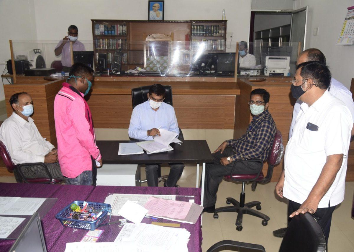 रायपुर : नेशनल लोक अदालत में 10 हजार से अधिक प्रकरणों का निराकरण