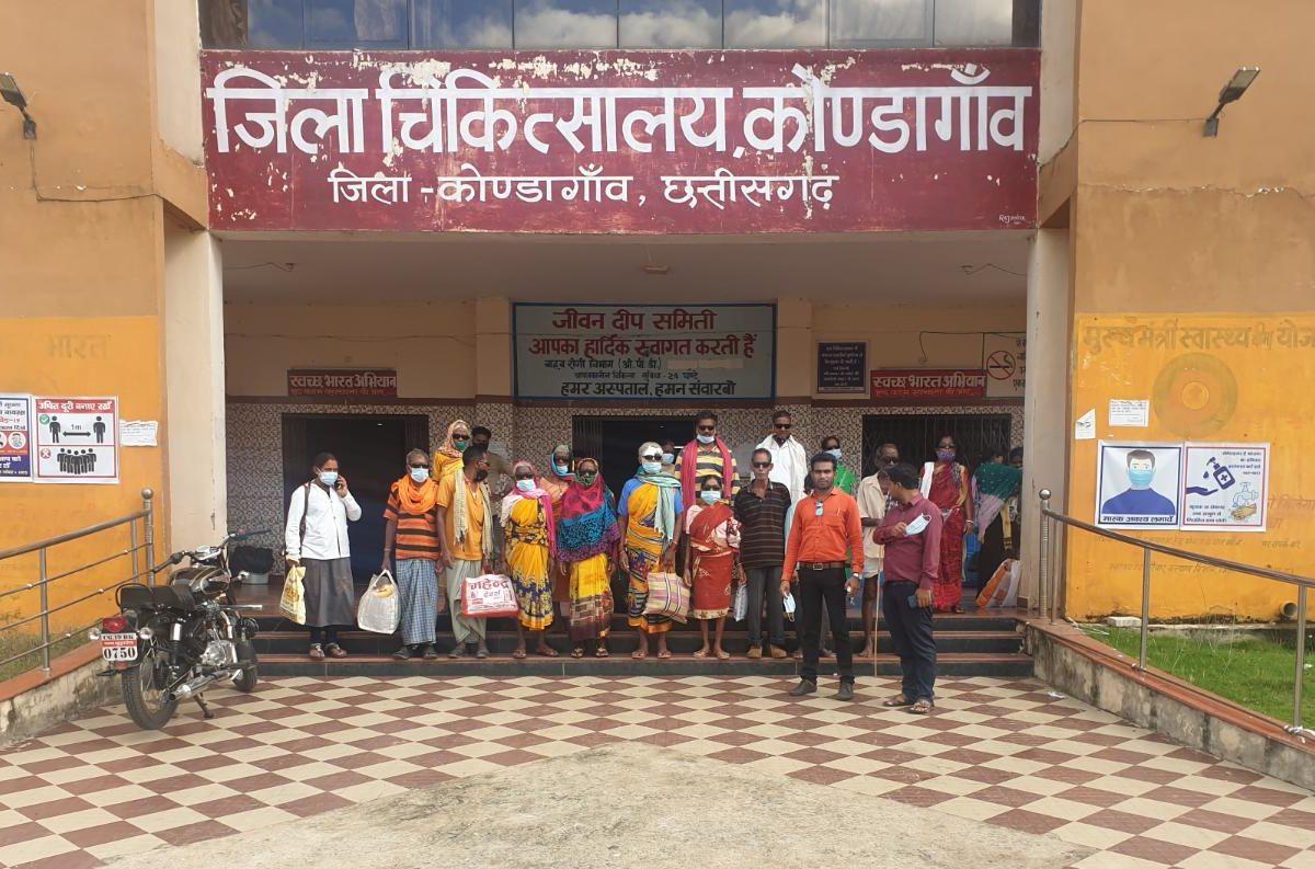 कोण्डागांव  : माकड़ी एवं फरसगांव 15 मरीजों का किया गया निःशुल्क मोतियाबिंद ऑपरेशन एवं लेंस प्रत्यारोपण