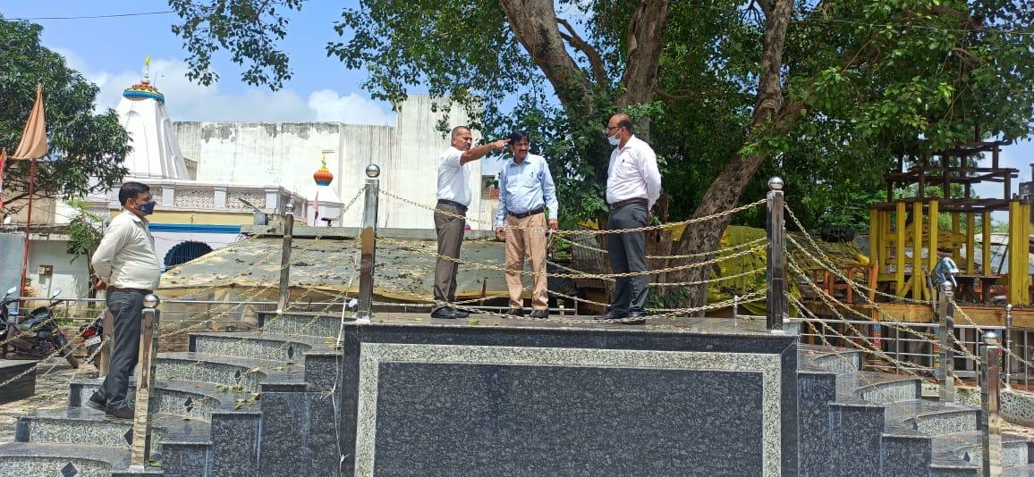 राष्ट्रपिता बापू की प्रतिमा का अनावरण स्थल का मुआयना