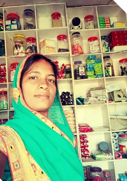 किराना दुकान की मालकिन बनकर विमला दीदी कमा रही सालाना 60 हज़ार से अधिक