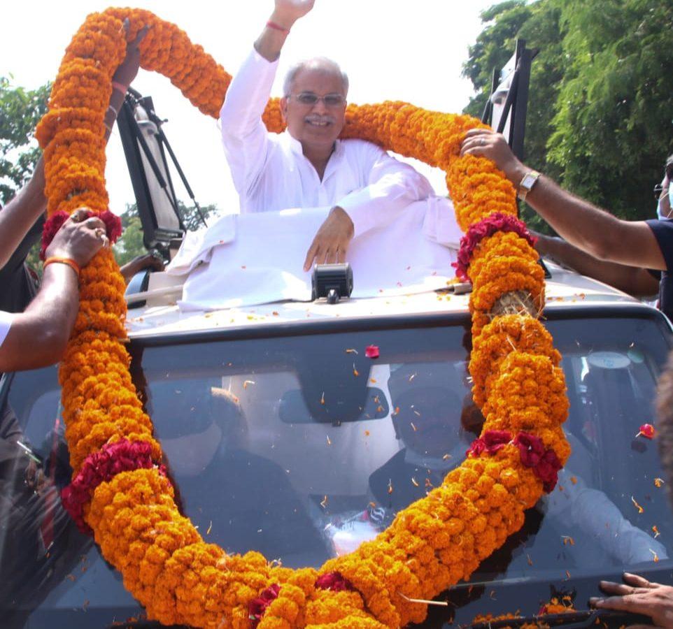 महासमुन्द : विभिन्न समाज के लोगों ने मुख्यमंत्री श्री भूपेश बघेल का किया भव्य स्वागत