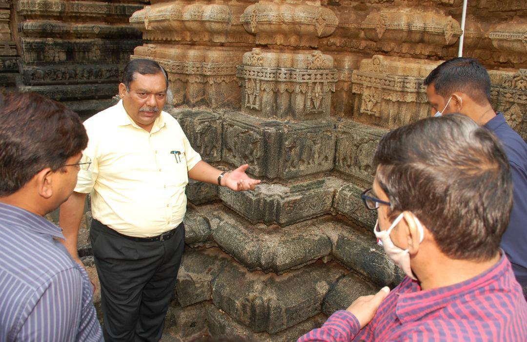 संस्कृति एवं पुरातत्व विभाग के तकनीकी टीम ने भोरदेव मंदिर का निरीक्षण किया
