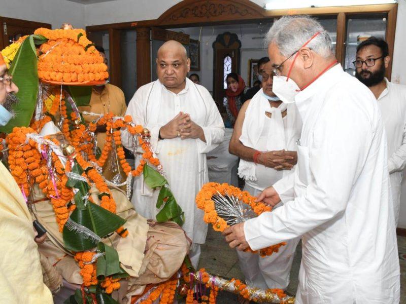 मुख्यमंत्री ने विद्यासागर अग्रवाल को दी विनम्र श्रद्धांजलि
